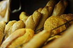 Домодельный варить сделанный от всех пшеницы и зерен с хлебами Стоковое фото RF