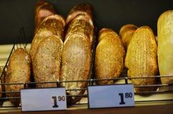 Домодельный варить сделанный от всех пшеницы и зерен с хлебами Стоковые Фото