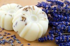Домодельное мыло с лавандой Стоковое Изображение