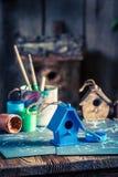 Домодельный дом для птиц и плана строительства Стоковая Фотография RF