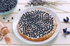 Домодельный пирог голубики с циннамоном Стоковые Изображения