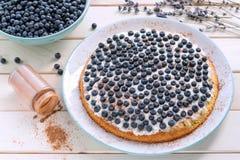 Домодельный пирог голубики с циннамоном Стоковая Фотография RF
