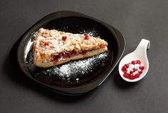 Домодельный пирог на темной предпосылке Стоковое Фото
