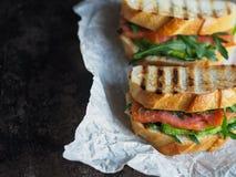 Домодельный сандвич 2 на темной предпосылке Стоковые Фото