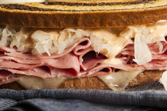 Домодельный сандвич Reuben Стоковое Фото