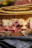 Домодельный сандвич Reuben Стоковые Фотографии RF