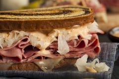 Домодельный сандвич Reuben Стоковое Изображение