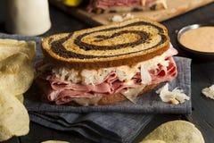 Домодельный сандвич Reuben Стоковая Фотография