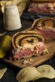 Домодельный сандвич Reuben Стоковые Фото