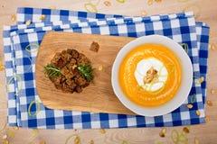 Домодельный суп сливк тыквы осени Стоковая Фотография RF