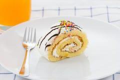 Домодельный торт крена стоковая фотография