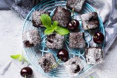 Домодельный торт пирожного вишни шоколада Стоковые Фото