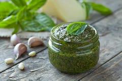 Домодельный традиционный среднеземноморской здоровый соус Стоковые Изображения RF