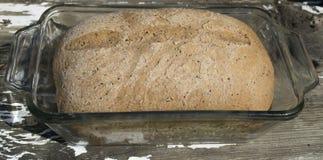Домодельный хлебец хлеба Sourdough Стоковая Фотография RF
