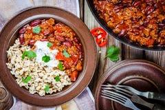Домодельный chili с фасолями и дикими рисами Стоковое Фото