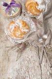Домодельным сливк �houx заполненная печеньем Стоковое фото RF