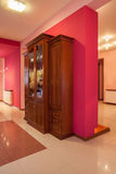 Дом амаранта - деревянный commode Стоковые Фотографии RF