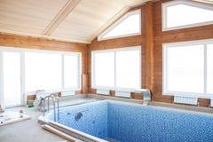 Дом бассейна стоковое изображение