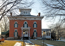 Дом викторианец кирпича Стоковые Фотографии RF