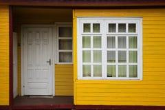 дом входа деревянная Стоковые Изображения