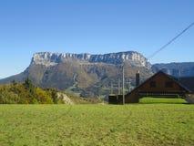 Дом в горах, французе Альпах Стоковое фото RF