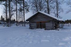 Дом в деревне в зиме Стоковые Фото