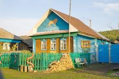 Дом в деревне в Bashkortostan стоковые фото