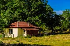 Дом в деревне на турецкой сельской местности Стоковая Фотография RF