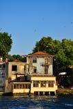 Дом в заливе золотого рожка Стоковые Изображения RF