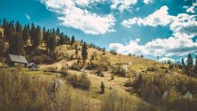 Дом в прикарпатских горах стоковая фотография rf