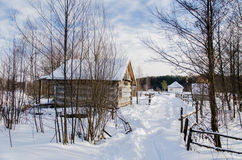 Дом в снежной украинской деревне Стоковое Изображение RF