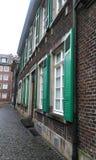 Дом в старом месте в городе стоковые фото