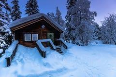 Дом в Jukkasjarvi, Швеции стоковые изображения rf