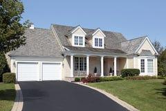 дом гаража колонок двойной Стоковое фото RF