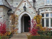 Дом готического стиля каменный стоковые фотографии rf