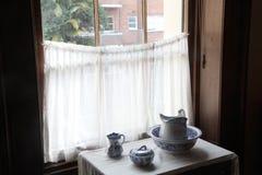 Дом залива Элизабета - окном Стоковая Фотография