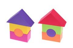 Дом игрушки сделанный пластичных кирпичей Стоковая Фотография