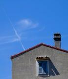 Дом и небо Стоковые Изображения