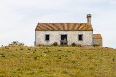 Дом и овцы фермы в Сантьяго делают Cacem Стоковое Изображение RF