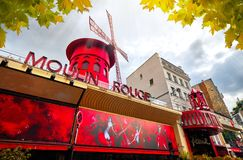 Дом кабара румян Moulin в Pigalle Париже Франции Стоковое фото RF