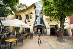 Дом кривой Sopot стоковая фотография rf