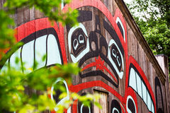 Дом клана бобра на Saxman Villiage около Ketchikan Стоковая Фотография
