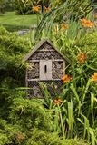 Дом насекомого - гостиница в саде лета Стоковое фото RF