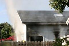 Дом на пожаре Стоковая Фотография RF