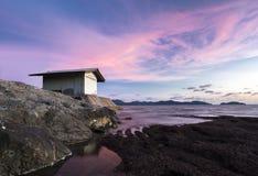 Дом на пляже с красивой атмосферой Стоковые Фотографии RF