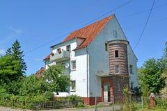 Дом немецкой конструкции с эркером Polessk, область Калининграда Стоковое Изображение