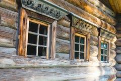 Дом оконных рам старый русский Стоковая Фотография RF