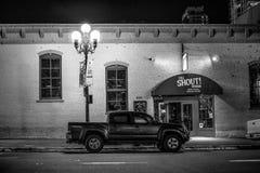 Дом окрика на историческом квартале Сан-Диего к ночь - КАЛИФОРНИЯ Gaslamp, США - 18-ОЕ МАРТА 2019 стоковое изображение rf