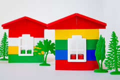 Дом от пестротканого конструктора Игрушки ` s детей строить и дизайн Стоковое Фото
