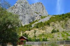 Дом отдыха в горных областях в Transilvania, Стоковые Фотографии RF